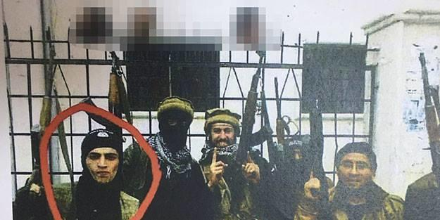 3 nəfərin başını kəsib şəkil çəkdirən terrorçu tutuldu – Foto