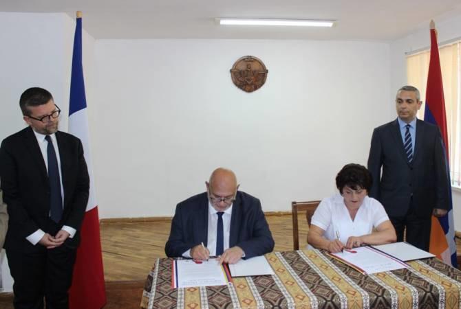 Французский мэр не извлек уроков из истории с Вайлером