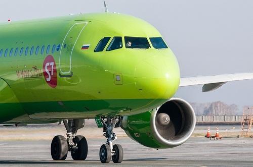 Пассажир угрожал взорвать самолет рейса Новосибирск-Баку