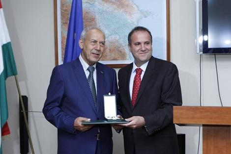 Azərbaycanlı deputat Macarıstanda təltif olundu - Foto
