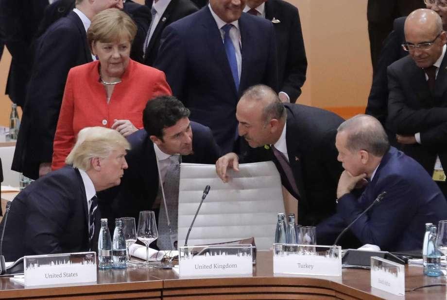 اردوغان: ترامپ، مرکئل، ماکرونلا بونو موذاکیره ائتدیک