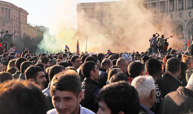 Армения в шаге от полного краха - Тоноян