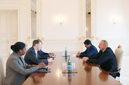 İlham Əliyev ABŞ rəsmisi ilə görüşdü
