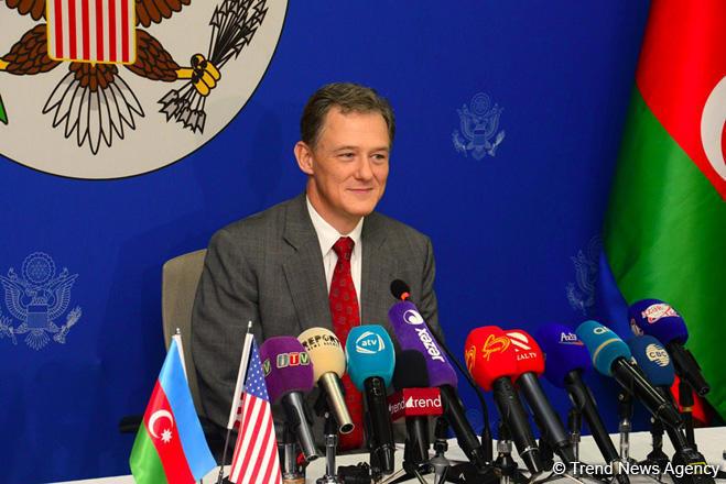Джордж Кент проигнорировал вопрос об участии Карабаха