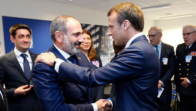 Pashinyan talked to Macron