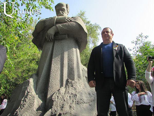 Царукян открыл памятник Тарасу Шевченко