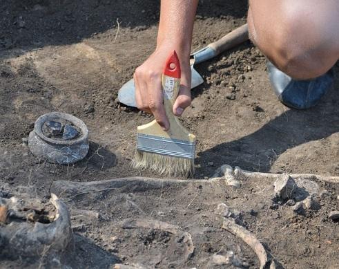 В Турции при раскопках нашли меч викинга