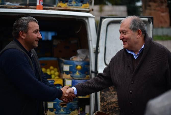 Президент Армении приехал в Ханкенди на ярмарку