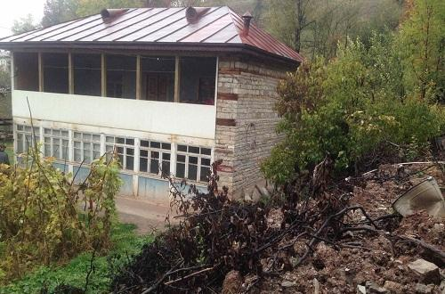 İsmayıllıda torpaq sürüşməsi: evlər qəzalı vəziyyətdə - Foto