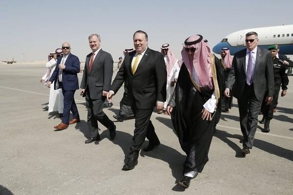 Помпео встретился с саудовским королем - Обновлено