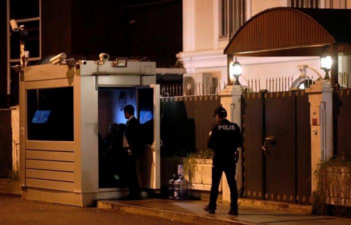 Идет обыск в резиденции генконсула Саудовской Аравии