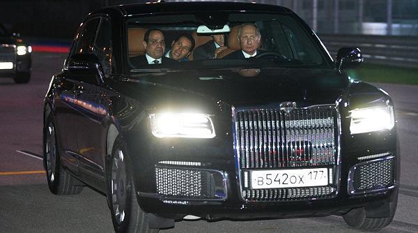 Путин прокатил Ас-Сиси на своем лимузине - Фото