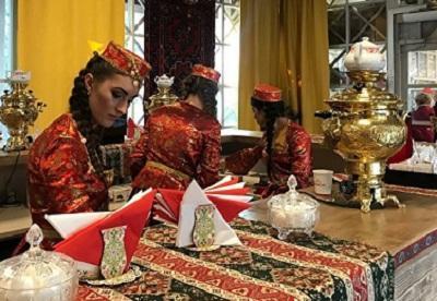 «Язык проглотишь»: «Осенние дары Азербайджана» на Тверской