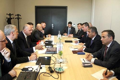 Закир Гасанов встретился с руководством холдинга
