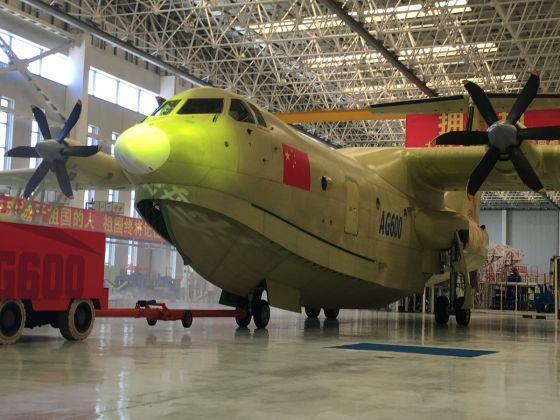 Самолет-амфибия впервые взлетел с воды