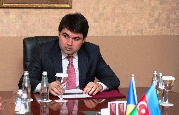 Elmar Valiyev's son resigns