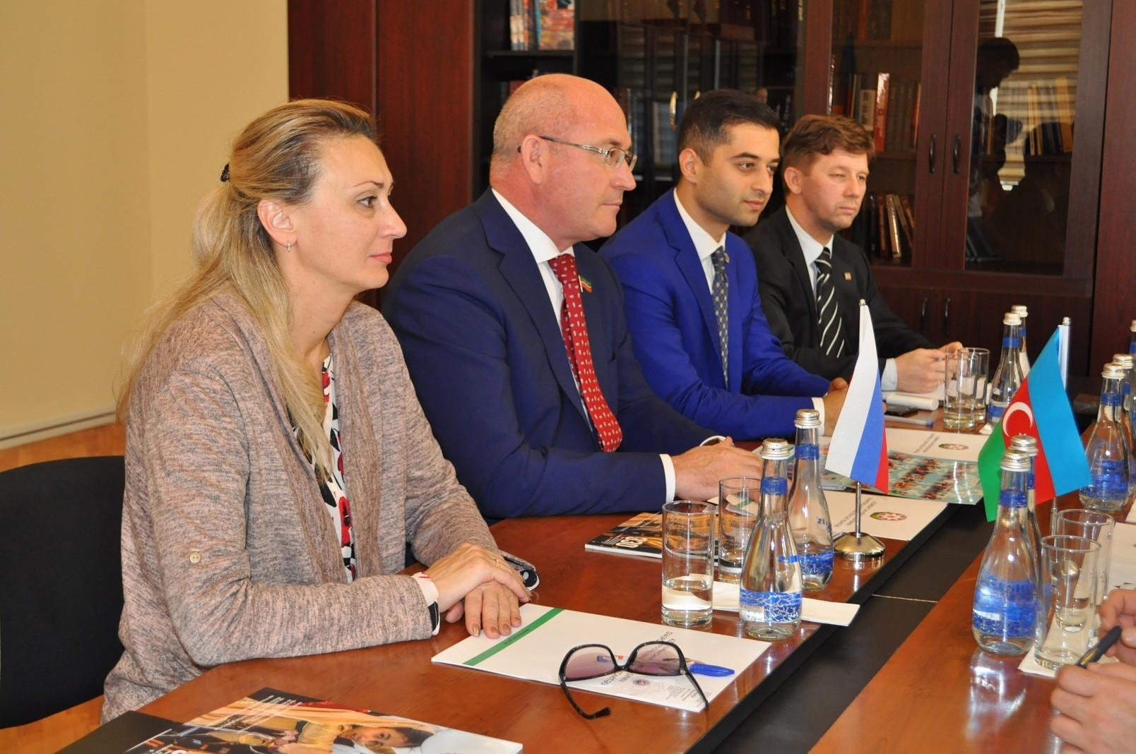 Tatar deputat Dövlət Komitəsində - Görüş