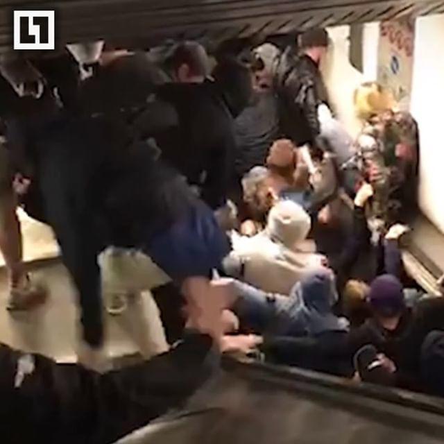 Azarkeşlər faciə ilə üzləşdi: Eskalator sürətləndi... - Video