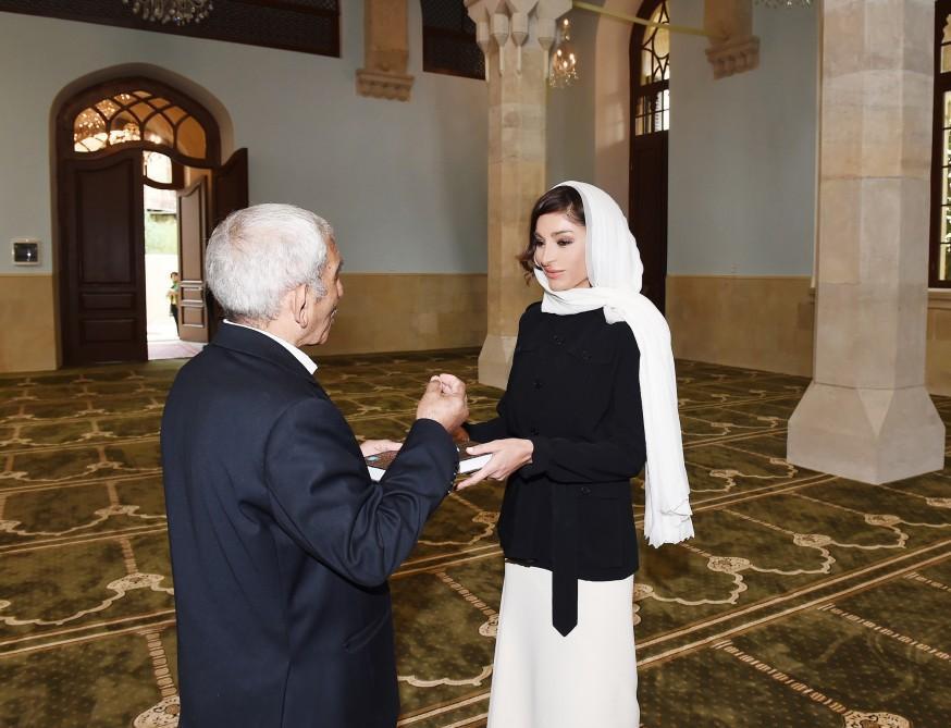 Мехрибан Алиева на открытии мечети Имама Хусейна  - Фото