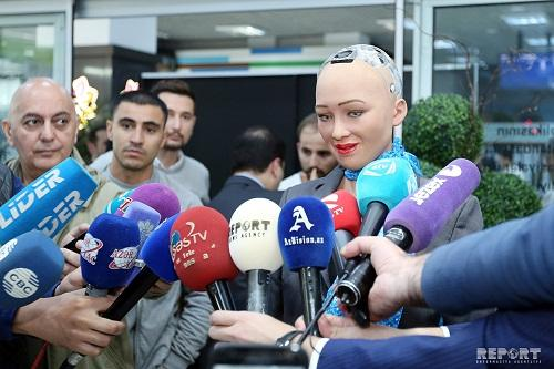 ASAN Service Center hosts presentation of Sofia robot