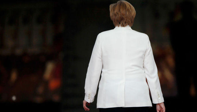 Меркель уходит в длительный отпуск