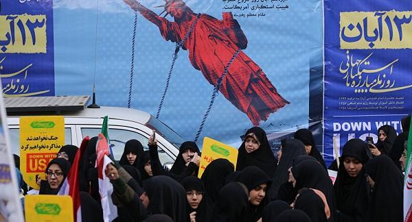 «اونلار میدانا چیخسا، ایران رئژیمی چؤکه بیلر» – سئنساسیون ادعا