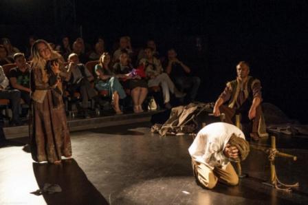 میللی درام تئاتری آذربایجانی بین الخالق فستیوالدا تمثیل ائدیر