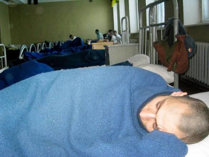В Армении онкобольного призывника «забрили» в армию