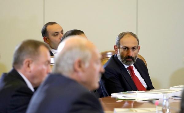 Пашинян все еще ждет ответа лично от Лукашенко