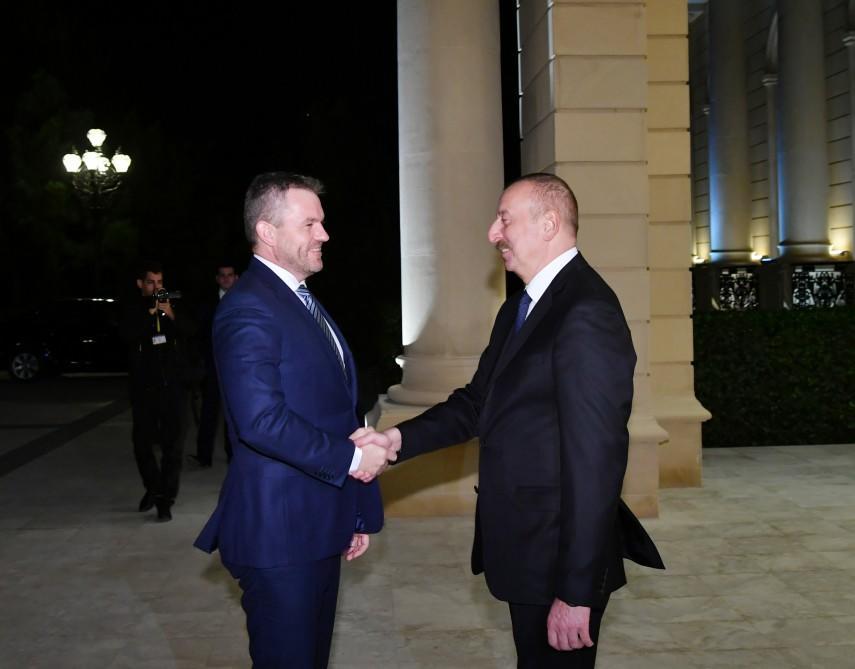 İlham Əliyev Slovakiyanın baş naziri ilə görüşdü - Foto