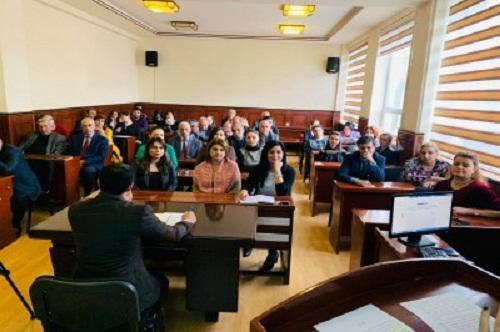 BDU-da seminar: dillə bağlı fərman müzakirə edildi
