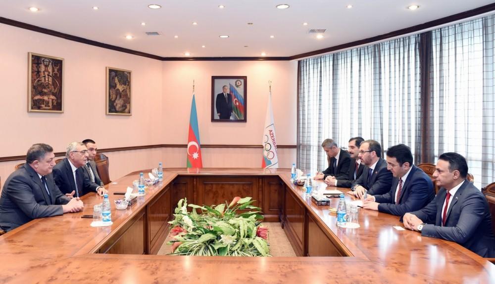 Türkiyəli nazir Bakıda: Olimpiya komitəsində görüş... - Foto