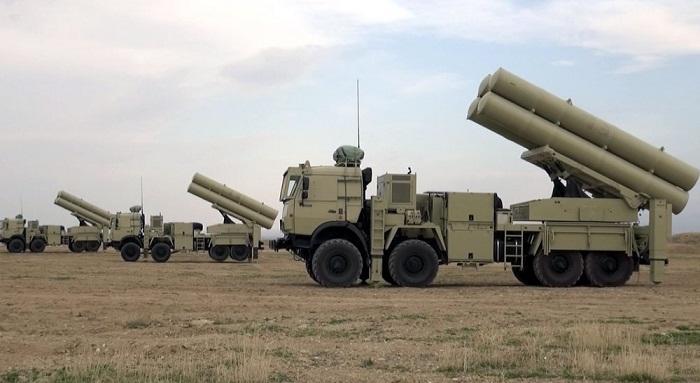 Россия поставит в Киргизию С-300 и беспилотники