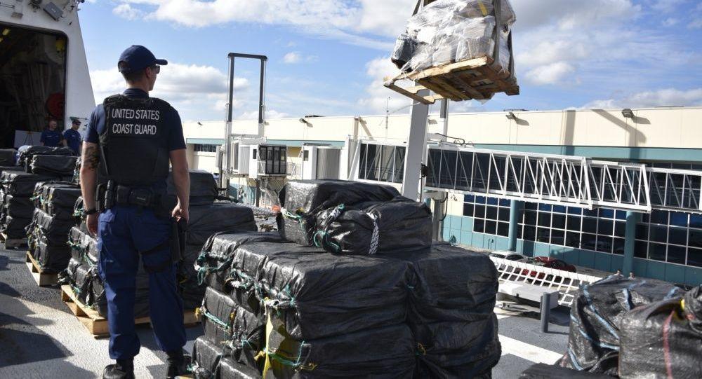 Береговая охрана США перехватила кокаин на полмиллиарда