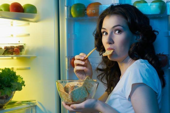 Чем опасен для здоровья поздний ужин