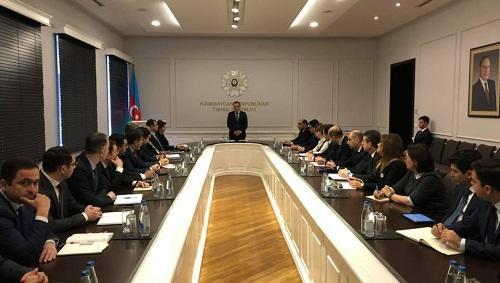 Nazir yeni müavinini kollektivə təqdim etdi - Foto