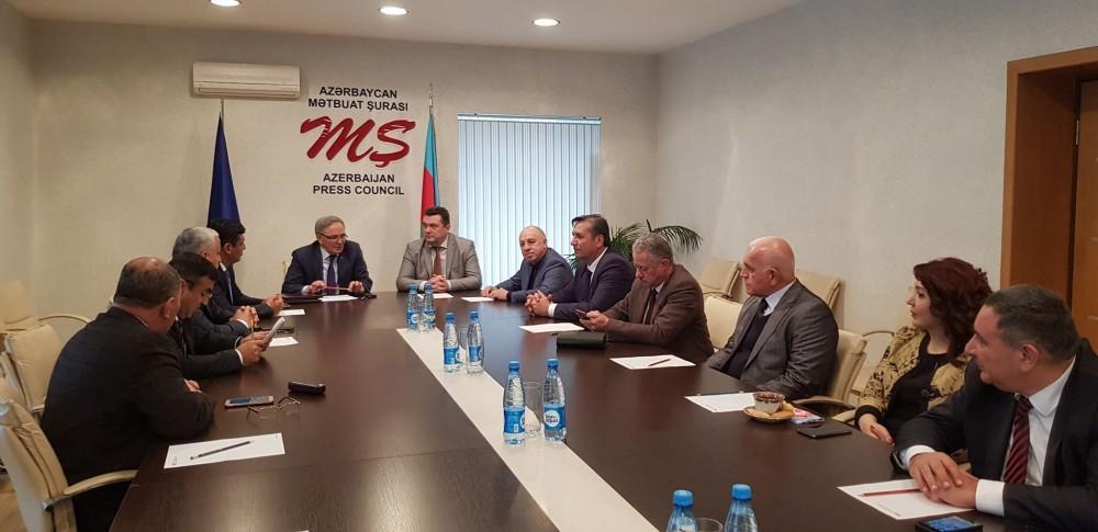 Mətbuat Şurası Jurnalistlər İttifaqı ilə memorandum imzaladı