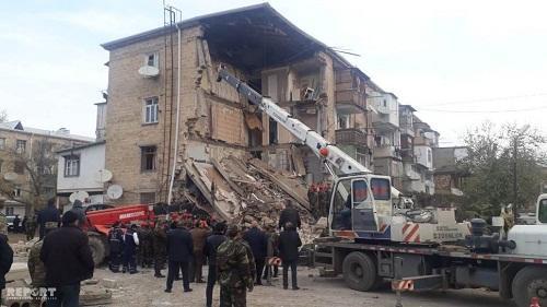 Bakıda 108 binanın sakinləri köçürülür - Rəsmi