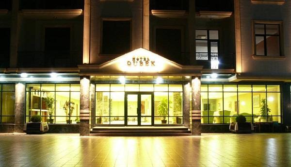 Məşhur otel satışa çıxarıldı – 9 milyona