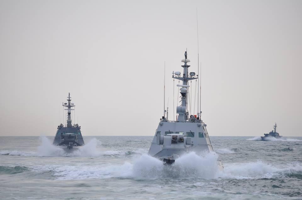 ВМС Украины провели учебные стрельбы в Азовском море