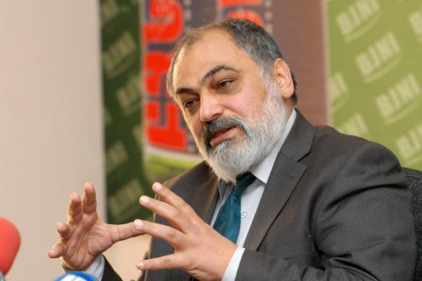 Готовится новая стратегия переговоров с Баку – армянский эксперт