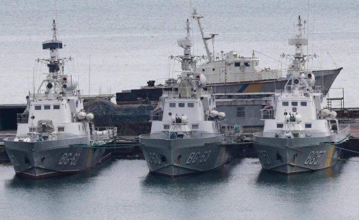 Россия вывела украинские корабли в море
