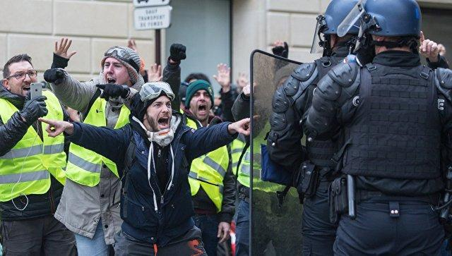 В Бельгии «желтые жилеты» напали на журналистов