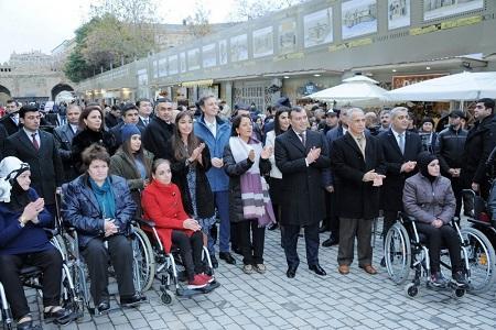 Leyla Əliyeva sərgi yarmarkasının açılışında - Foto