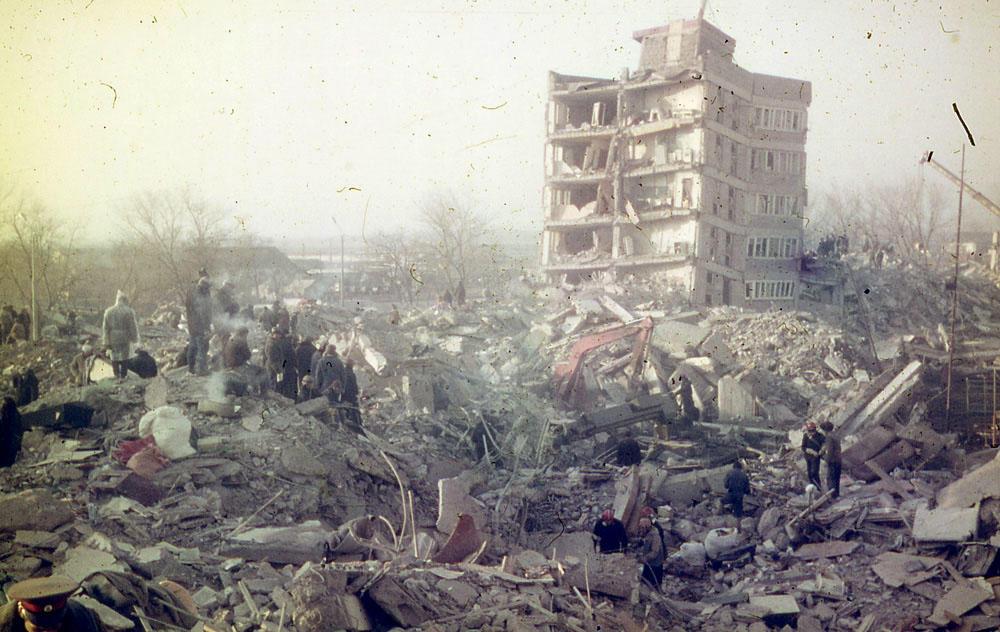 Нонсенс! Ереван обвиняет Москву в землетрясении в Спитаке