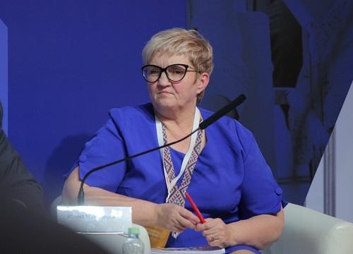 Hamımız Fərman Salmanovun çörəyini yeyirik - İrina Maksimova