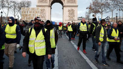 Yellow Vests protesters urge regions to join rallies
