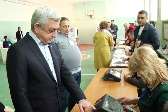 Устройство по идентификации не признало Саргсяна - Видео
