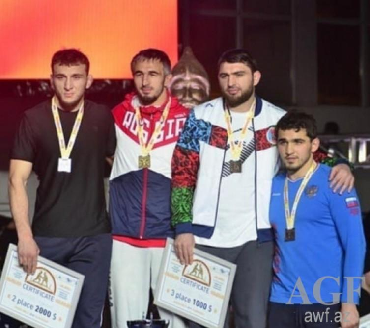 Azerbaijani wrestler captures bronze at Alans tournament