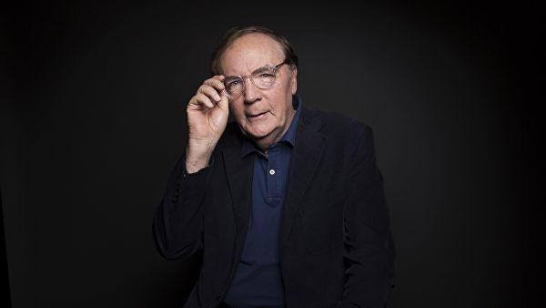 Forbes назвал самых высокооплачиваемых писателей